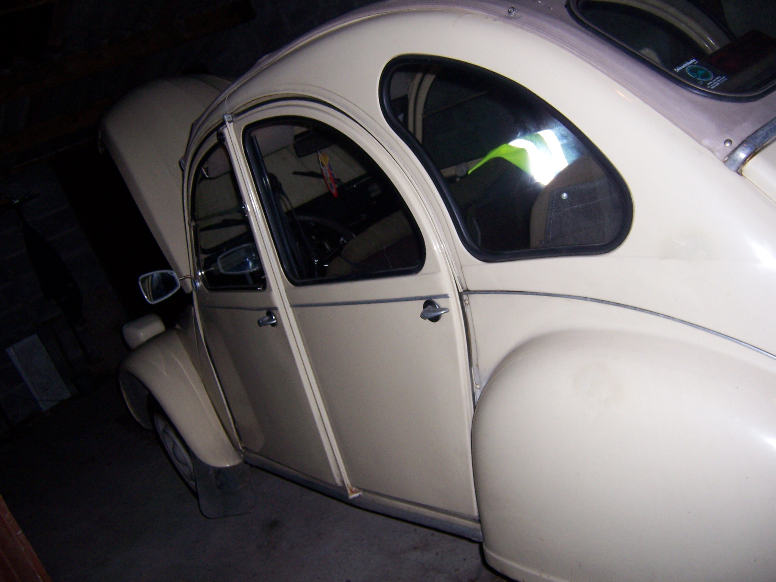 2cv vendre photos 2 cv vendre sur raismes nord de la france. Black Bedroom Furniture Sets. Home Design Ideas
